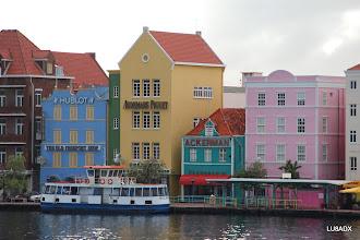 Photo: Vista de la calle Handelskade