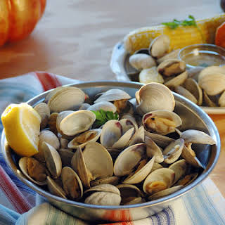 My Hubby's Beer-Steamed Littleneck Clams.