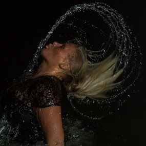 Circles by Morten Pettersen - People Portraits of Women ( water, circles, woman, hair, norway )