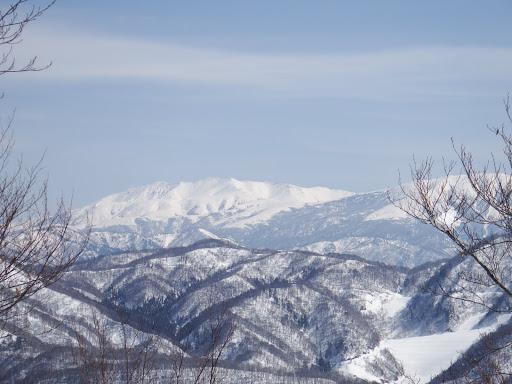 薬師岳(右端に北ノ俣岳)