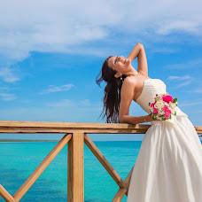 Wedding photographer Elena Bukhtoyarova (lebv64). Photo of 14.09.2016