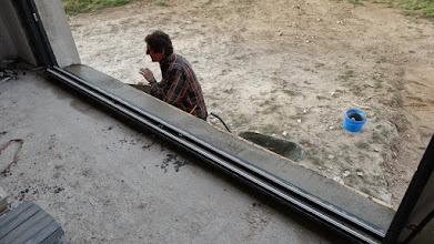 Photo: de vensterbank wordt opnieuw gestort