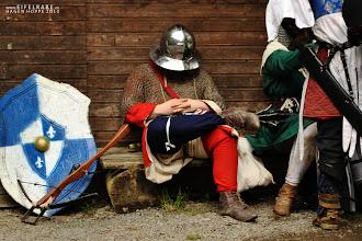 Photo: Ein guter Soldat nutzt jede Pause, um sich auszuruhen.