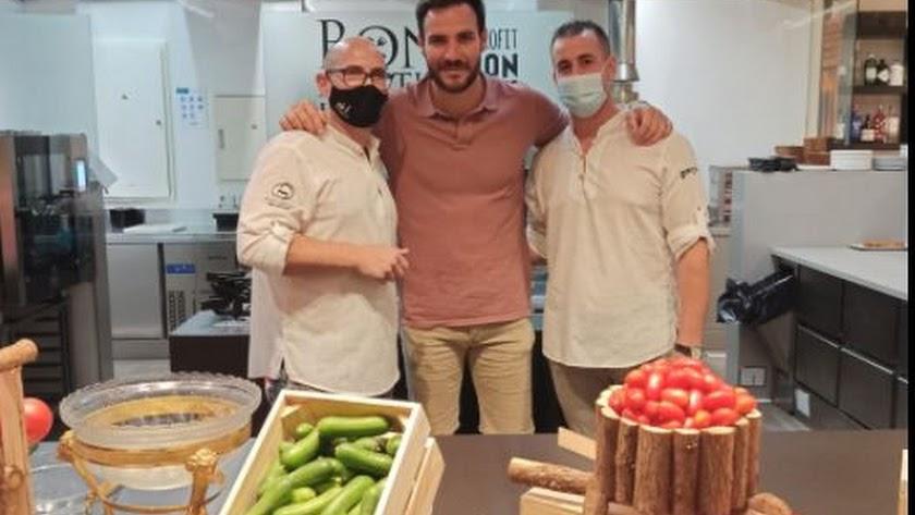 Saúl Craviotto en su visita a Tony García Espacio Gastronómico.