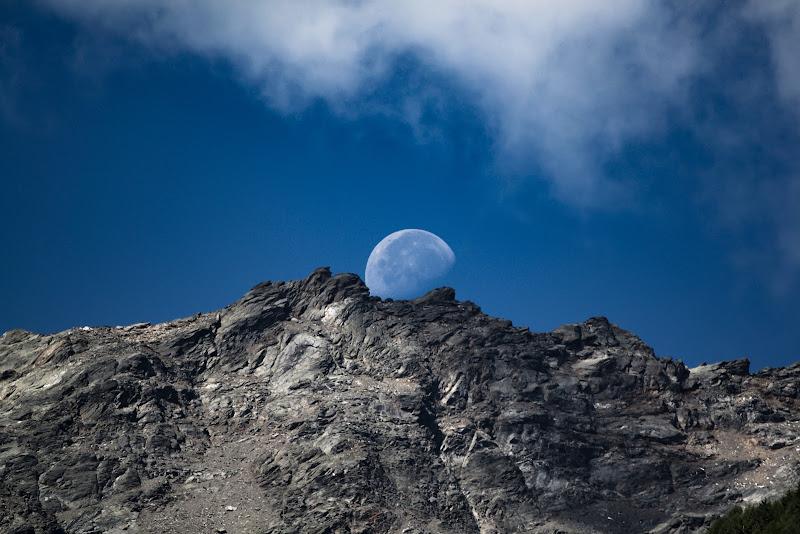 Il riposo della Luna, carpe diem di Dosantos