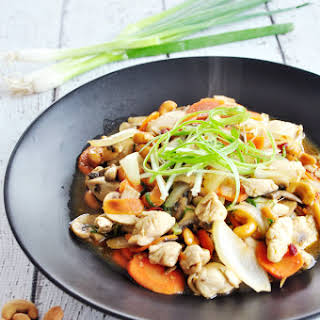 Thai Stir-fried Chicken With Cashew Nuts.