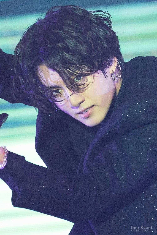 jungkook long hair2