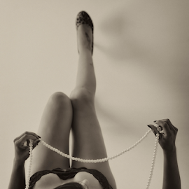 Pearls by Fico Stein Montagne - Nudes & Boudoir Boudoir ( model, sexy, girl, lingerie, woman, bed, pearls, boudoir, nikon d7000,  )