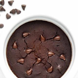 Healthy Flourless Chocolate Mug Cake.