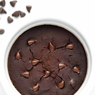 Healthy Flourless Chocolate Mug Cake.