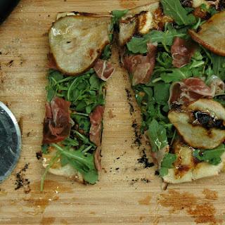 Kray's Grilled Fig, Arugula + Prosciutto Pizza