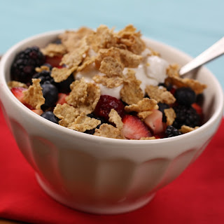 Crunchy Fruit & Yogurt Parfait