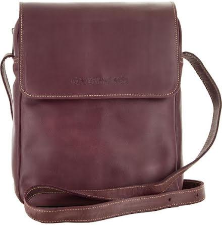 Väska med lock och axelrem aubergine blixtlås och magnetlås i skinn