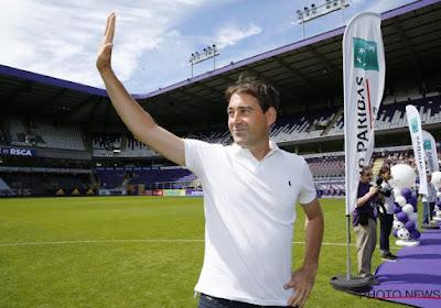 René Weiler is drie weken na z'n vertrek bij Anderlecht topkandidaat bij andere club
