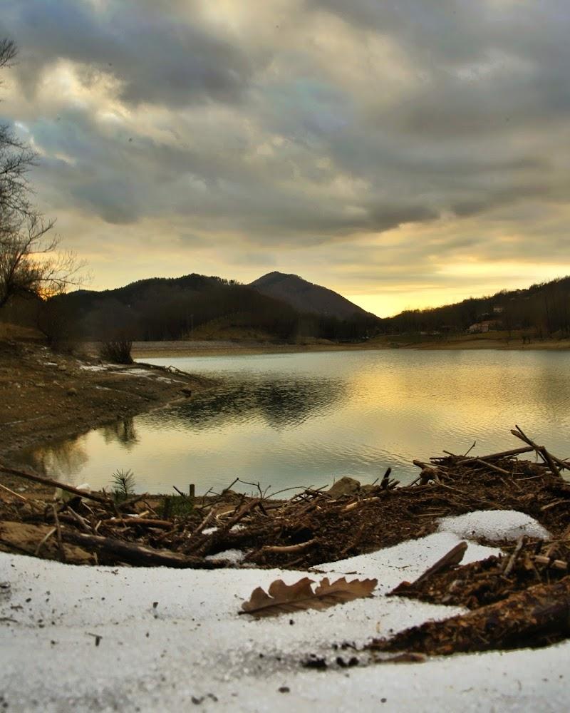 Tramonto sul lago di walter_bianchi
