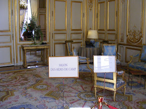 Photo: The Salon des Aides de Camp is used for smaller (up to 23 persons) official lunches and dinners. The room's floor covering is a fragment of the great carpet from Napoleon's throne room in the former Château des Tuileries.