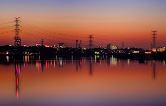 Photo: Dusk reflections on Lake Teganuma in Chiba Prefecture, Japan.