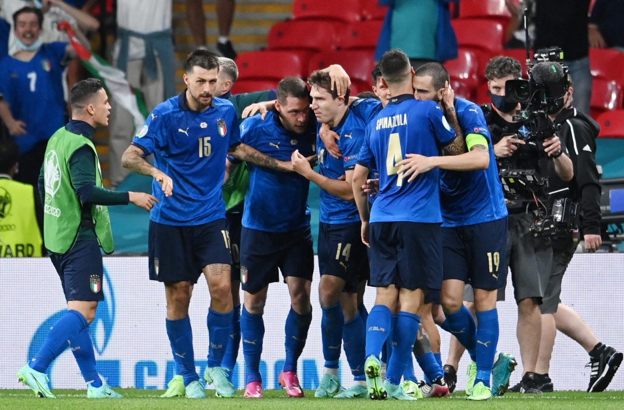 Italy đã vượt qua vòng 1/8 một cách đầy khó khăn