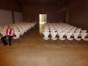 Photo: Alles bereit für's Publikum im schönen Gemeidesaal