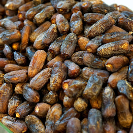 Dates by Mulawardi Sutanto - Food & Drink Fruits & Vegetables ( madinah, fruit, kurma, dates, travel )