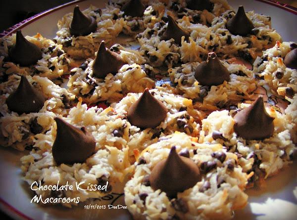 Chocolate Kissed Macaroons Recipe