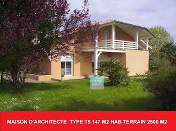 villa à Nogaro (32)