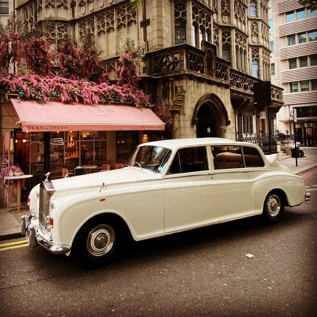 Rolls-royce Phantom 6 Landaulette Hire Buckinghamshire