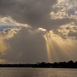 Sunrays by Rui Santos - Instagram & Mobile Android ( amazônia, sunrays, samsung, abaetetuba, brazil, pará, amazonm, nature, telemovel, smart phone, natureza )