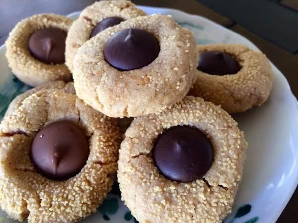 Christmas Cookie: Vegan Peanut Butter Blossoms