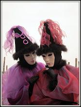 Photo: Venezia carnavalJe décerne la palme de la plus belle photo à mon fiston, pour ce portrait simple et magnifiquement composé.