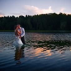 Wedding photographer Sławomir Chaciński (fotoinlove). Photo of 14.04.2018