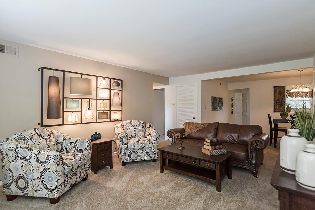 Two Bedroom Classic (2 Bed, 1.5 Bath) | Chartwell Apartments