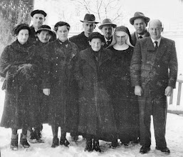"Photo: Die ""Überlebenden"": Zenzl,Fritz,Maridl,Franzi,Alois,Lini,Sepp,Kathi-Camilla,Toni, Engelbert (v.l.n.r.)"