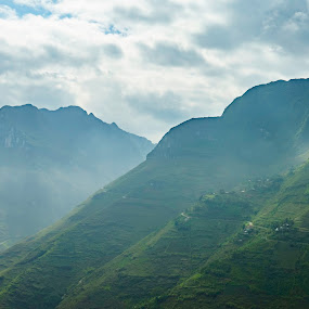 Green mountain by Gia Đình Nhà Khoai - Landscapes Mountains & Hills ( mountain, green, ha_giang, ma_pi_leng, pass,  )