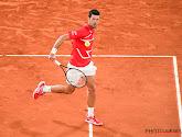 Djokovic haalt het in vijf sets van Tsitsipas en speelt Roland Garros-finale tegen Nadal