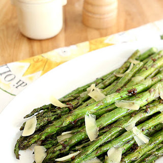 Grilled Asparagus with Garlic and Parmesan