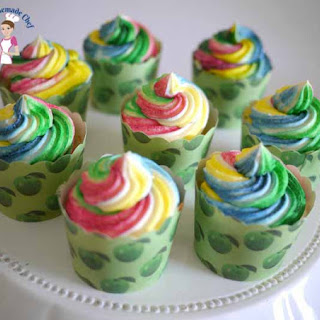 Quick and Easy One Bowl Vanilla Cupcakes Recipe