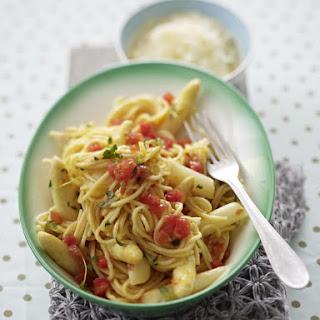 Spaghetti with Asparagus and Thyme.