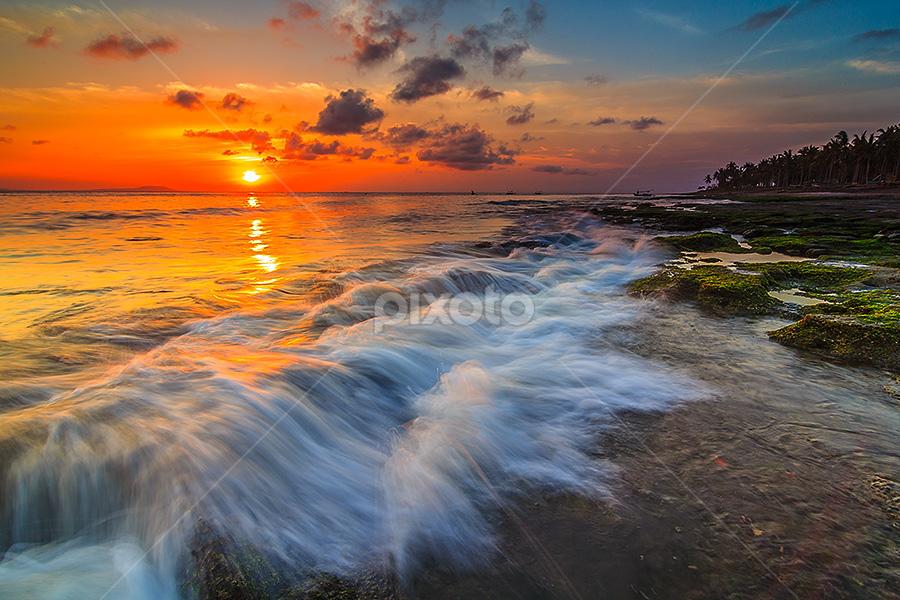 Breaking waves by Budi Astawa - Landscapes Waterscapes ( bali, cupel, waves, negara )