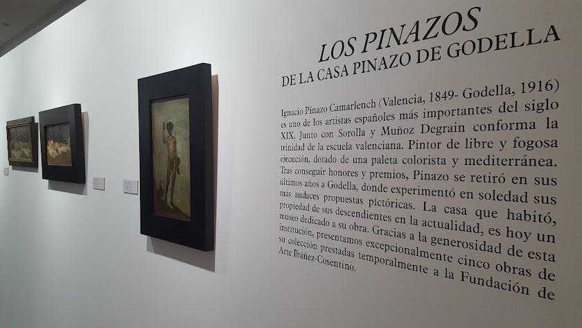 Vista de la exposición en la pinacoteca almanzorí.
