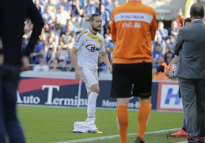 Onderbroekenlol óp het veld tijdens Club Brugge-Lokeren met dit volledig gescheurde broekje