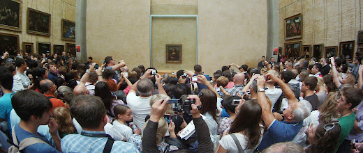 Photo: Mona Lisa and lots of friends