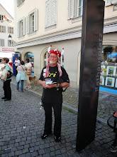 Photo: Moderator für die Musikanten  auf der denebenstehender Musikbühne!