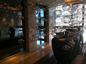 Photo: Lunch at a fancy hotel in Shanghai - cool glass bubble fountain