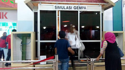 Simulasi Gempa di Museum IPTEK TMII