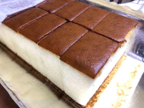 坂神本舖 長崎蛋糕 台中排隊伴手禮 據說超難買的長崎蛋糕 冰過之後 更濕潤 更綿密 也更好吃~~~