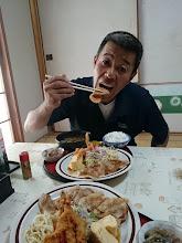Photo: 「怖い顔」ですが男気あふれる暑い・・・い、いや「熱い」方です! 食事しながらいろんな話させて頂きました! 今度は泊まりで五島列島に来ます。 どんちゃん騒ぎしましょう! 「ごちそうさまでした!」