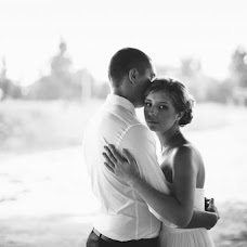 Wedding photographer Aleksandr Uvarov (Uvar13). Photo of 13.08.2013