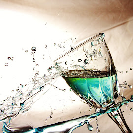 Colourful glass and water splash by Peter Salmon - Artistic Objects Glass ( colour, water, splash, pour, glass )