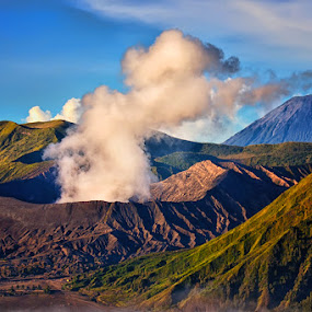 Mt. Bromo by Hendri Suhandi - Landscapes Mountains & Hills ( volcano, mountain, east java, mount bromo )